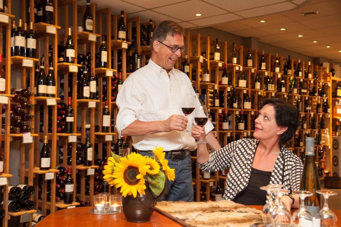 Toine Fassaert wijnkoperij en notenbar